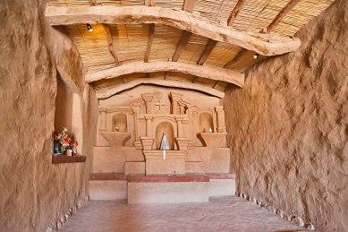 Altare in adobe